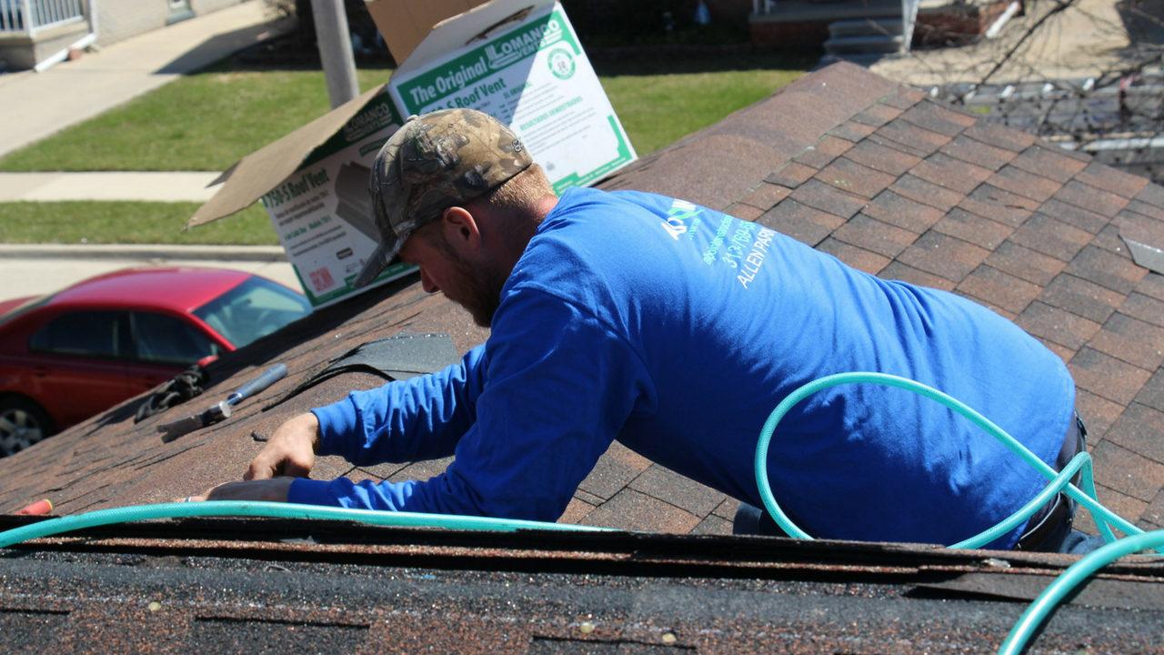Roofer in Dearborn MI