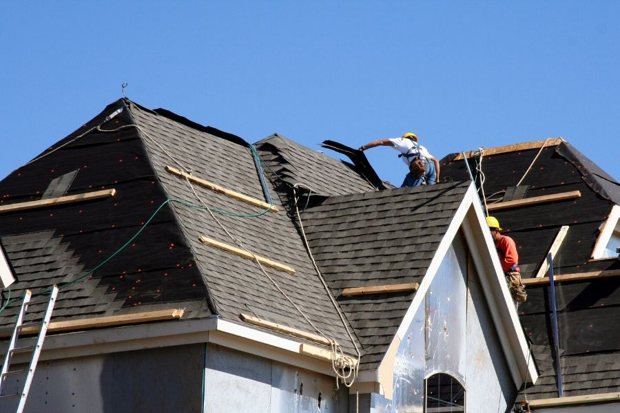 Signs You Need A New Roof in Plymouth Michigan