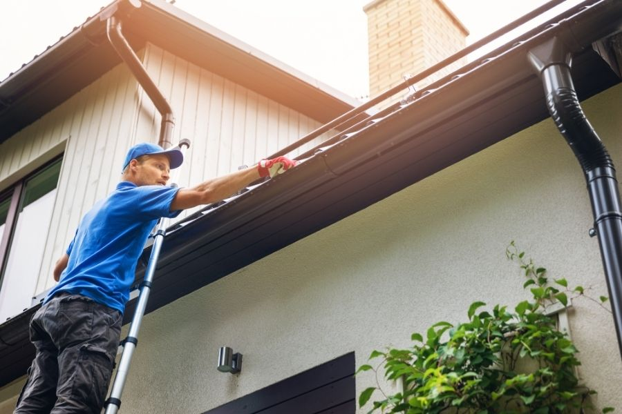 Common Mistakes Made When Trying To DIY Gutter Installation in Plymouth Michigan